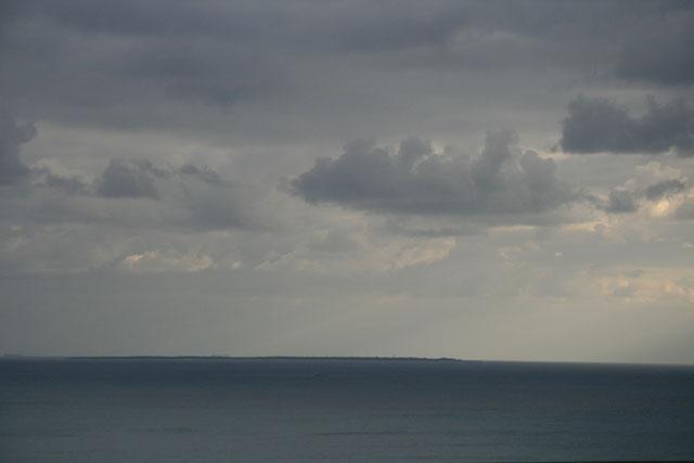どちらのグスクからも久高島を望むことができます。